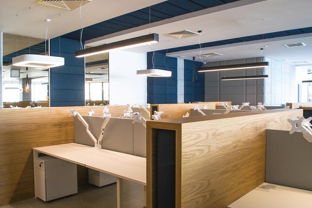 Open Space Office Cabin Design